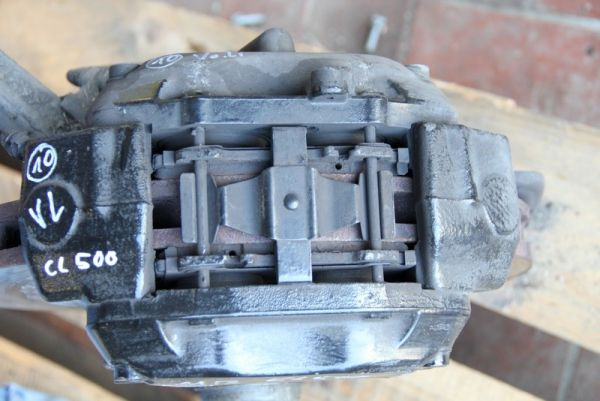 Mercedes W215 Bremssattel vorne links